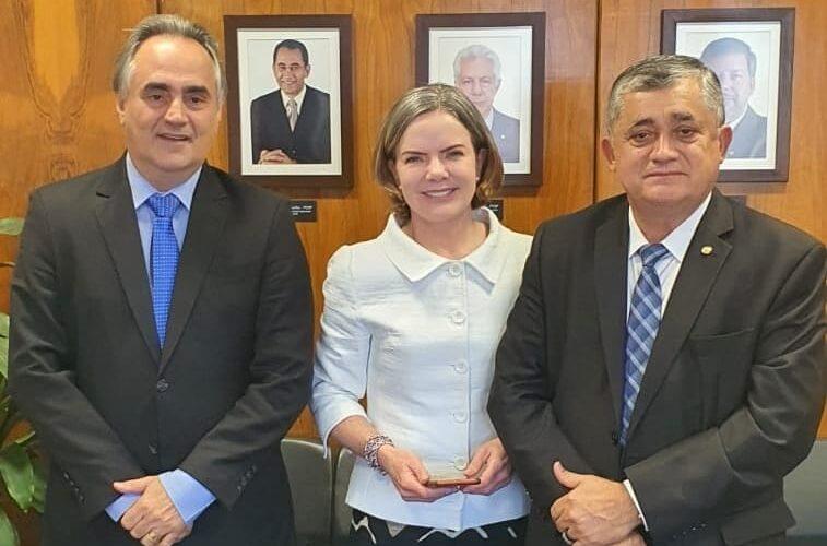 """PT da Paraíba comemora encontro entre Luciano Cartaxo e Gleisi Hoffmann: """"Juntos pelo Brasil e contra o fascismo"""""""