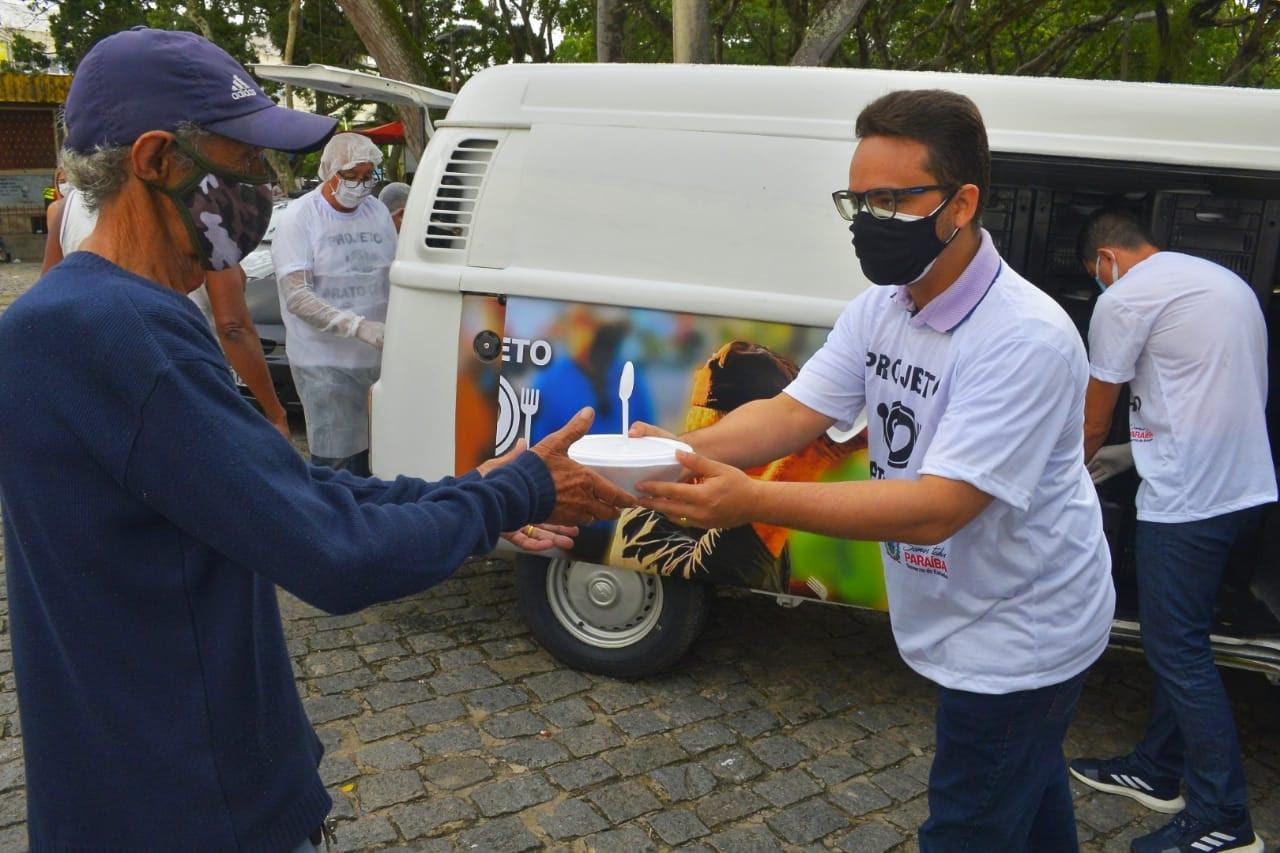 Prato Cheio: pessoas em situação de rua agradecem por refeições diárias em  CG - PB AGORA